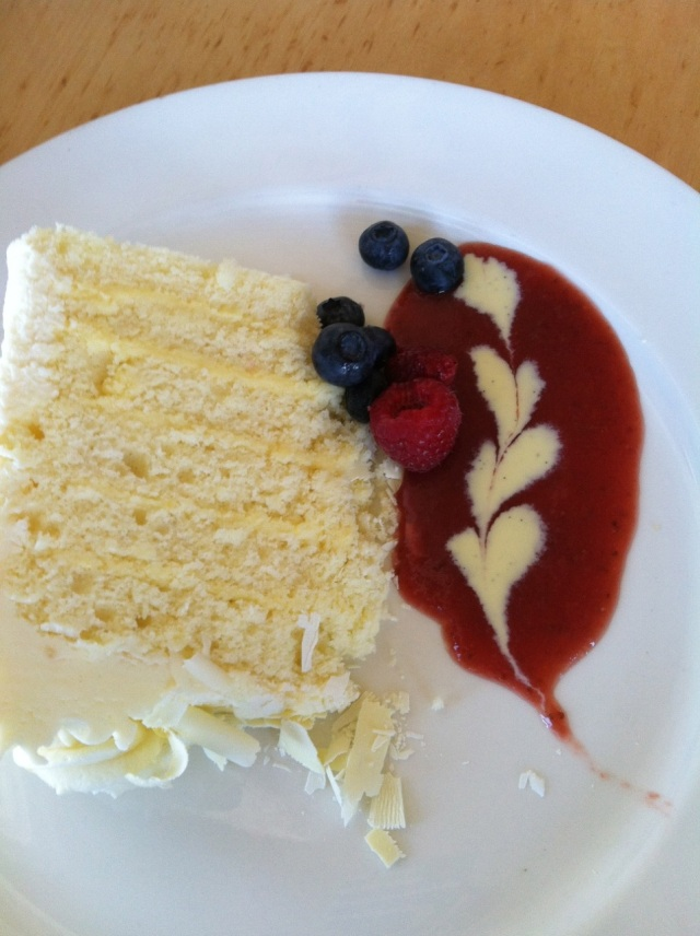 lemon cake with raspberry sauce
