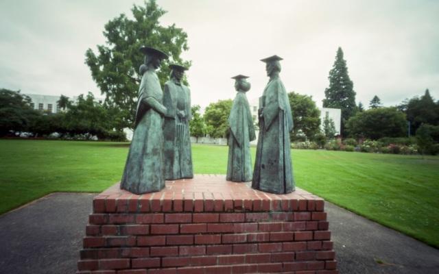 Willamette University statues
