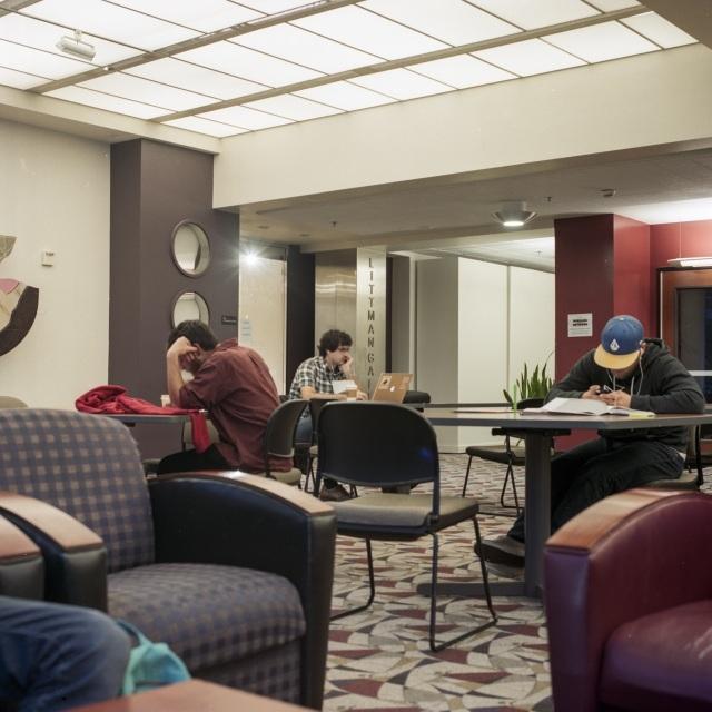 students reading at PSU